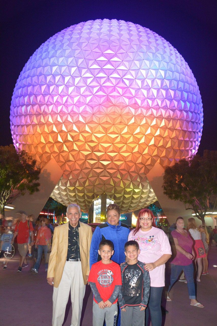 Walt+Disney+World+Vacation+Series:+Incredible+Magical+Fun+for+All+at+Magic+Kingdom+Park®+and+Epcot®