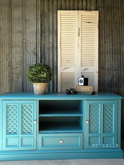 Benjamin Moore Origins French Blue OR-386, made into a custom chalk paint