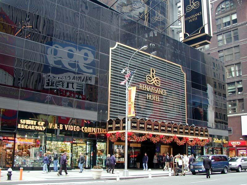 Renaissance Hotel Times Square New York City Times Square New York Nyc Christmas Christmas Travel