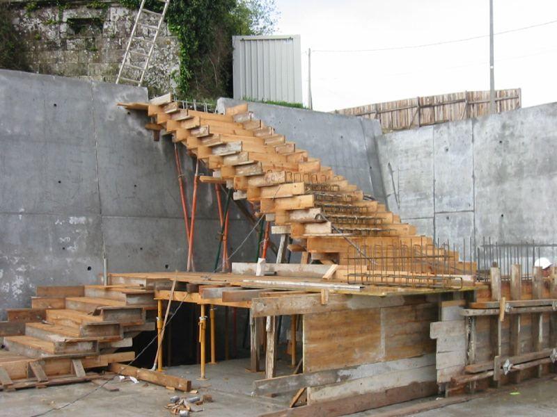 Escalones de hormig n en el maestro de obras xavier for Construccion de escaleras
