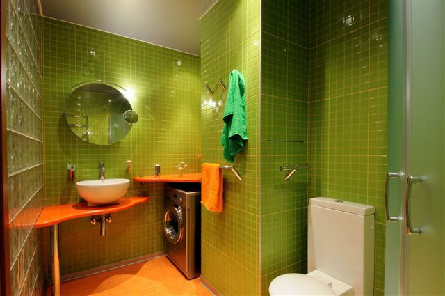 Exceptionnel Green And Orange Bathroom