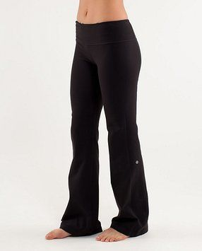 a0dbe32f32 Lululemon Black Groove Activewear Bottoms Size 6 (S, 28) 64% off retail