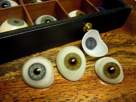 Collection Of Antique Prosthetic Human Glass Eyes With Case 1890 Antiques Glass Eyes Glass