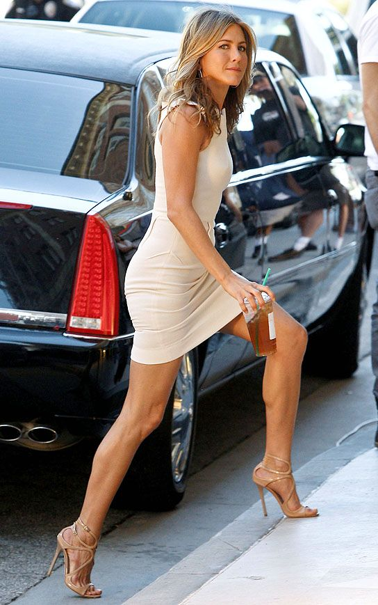 Image Detail For Who S Got The Best Legs In Hollywood Vote Celebrity News Online Jennifer Aniston Legs Fashion Jennifer Aniston Style
