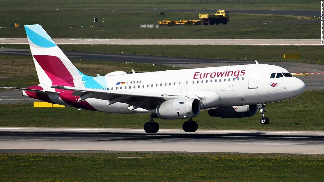Airline resumes flights to Italy (but turns around when