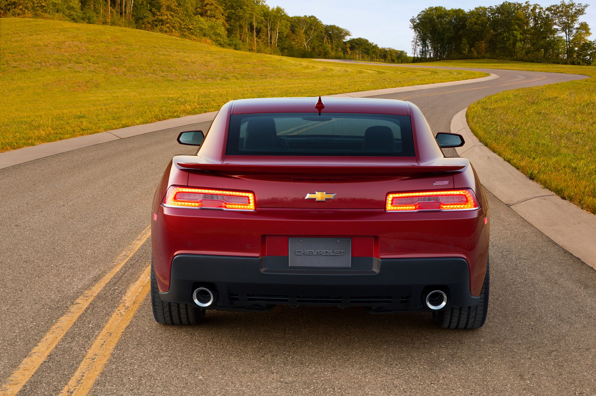 2015 camero 2015 Chevrolet Camaro Ss Rear End Camero