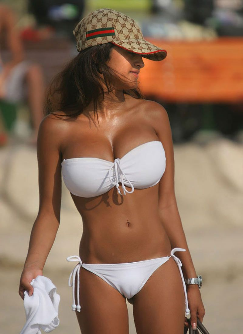 big boob bikini girl cameltoe expose | isle of hot chicks | pinterest