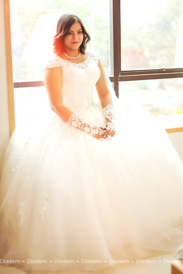 Pin by wedding gowns on Amazing Pearl Studded Bridal Gown – Online ...
