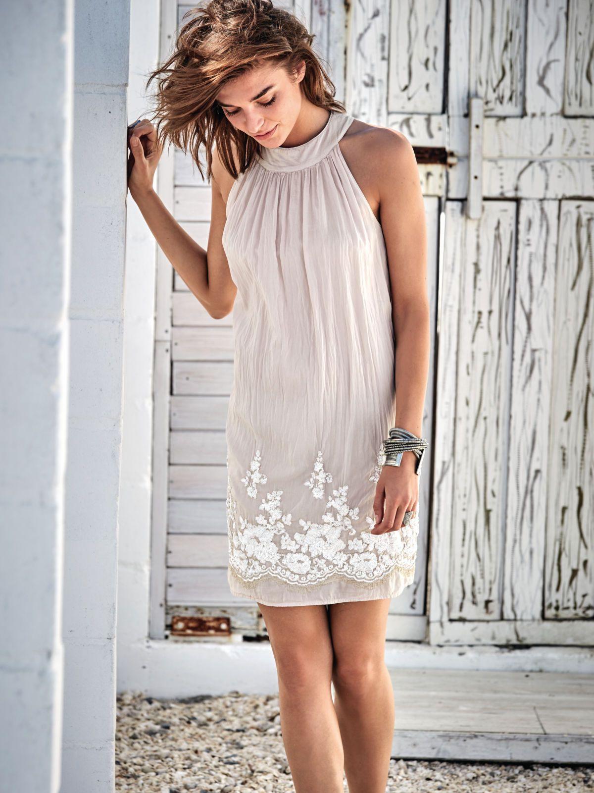 Wir lieben Rosè - vor allem als Hochzeitsgast. Mit diesem Kleid ...