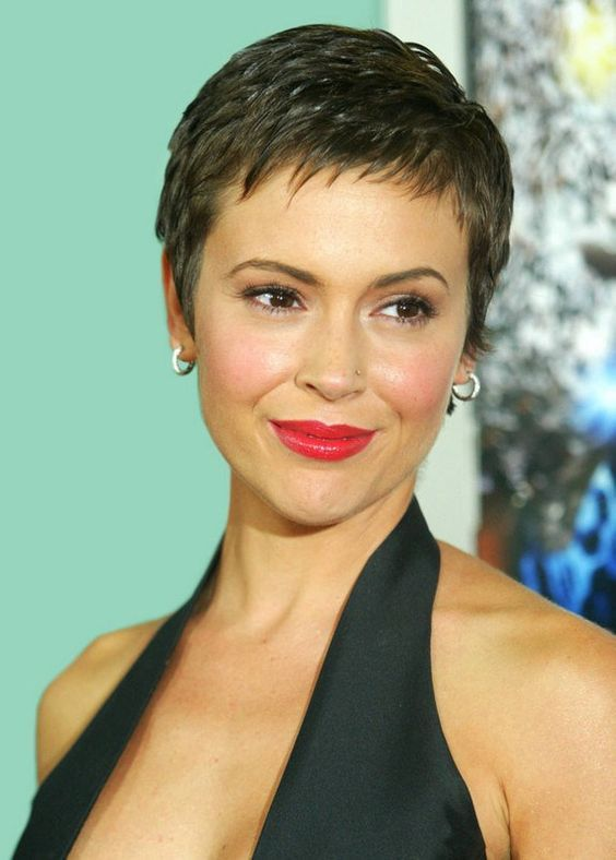 pretty pixie-cut with edgy piecey