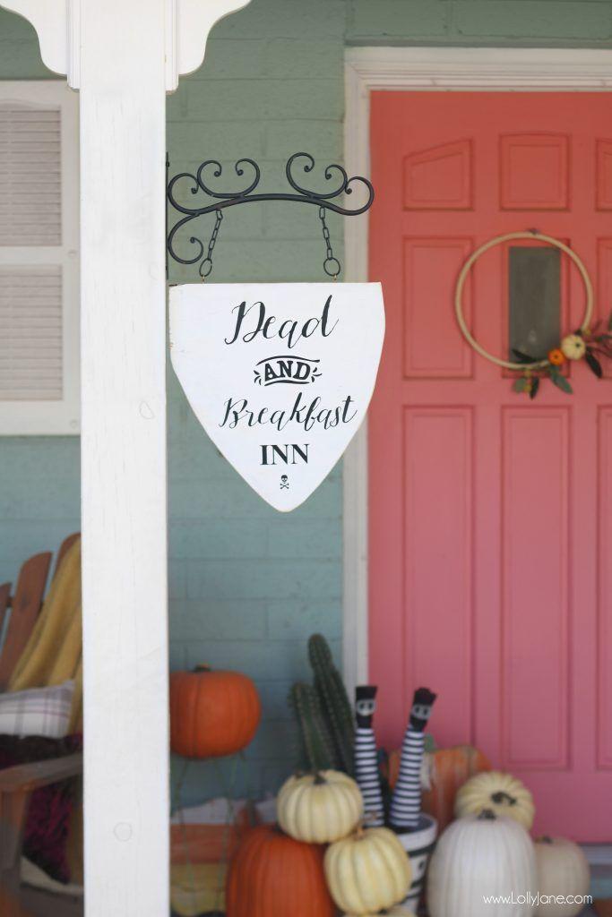 dead and breakfast inn hanging sign DIY Ideas Pinterest - scary door decorations for halloween