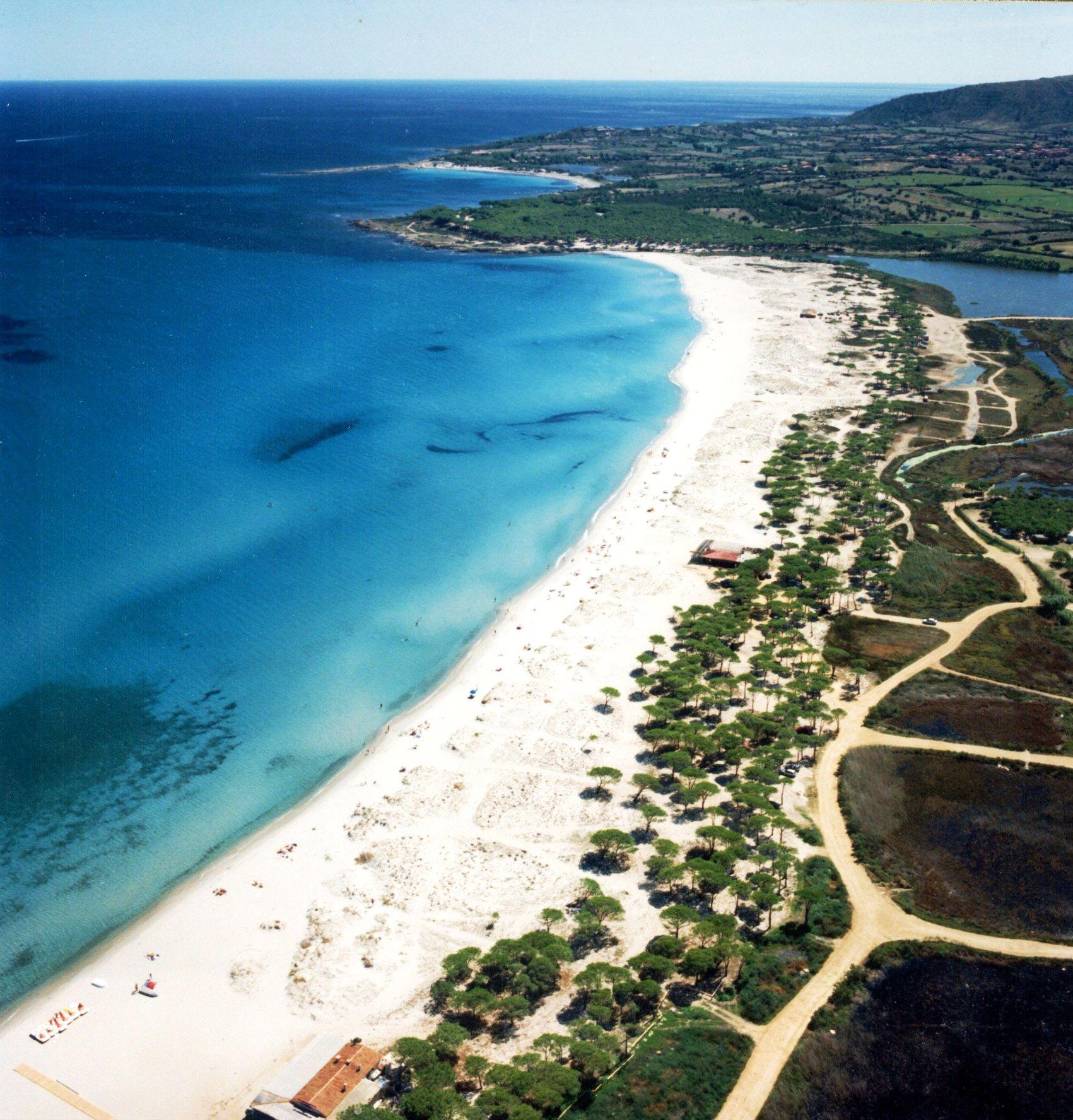 sardegna budoni foto aerea della spiaggia budoni