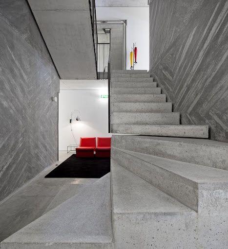 22 Modern Innovative Staircase Ideas: Casa-do-conto.jpeg (467×512)
