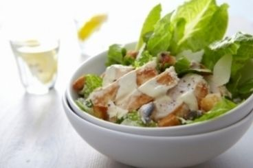 Cours de cuisine : Caesar Salad aux aiguillettes de poulet grillé