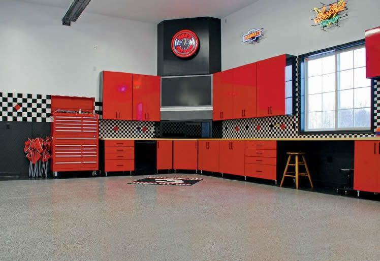Small Garage Into Man Cave : Rick would love this garage could easily be a man cave also
