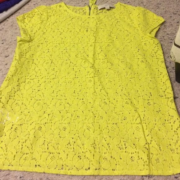 """Loft petite lace top Petite small Loft top-not from outlet. I wear an extra small from loft but tried this petite small top. Worn a few times. Completely lace; a tank top is necessary underneath! Color is called """"lime juice"""" so it is a yellowish green color. 1/4th zipper back. EUC. LOFT Tops Tees - Short Sleeve"""