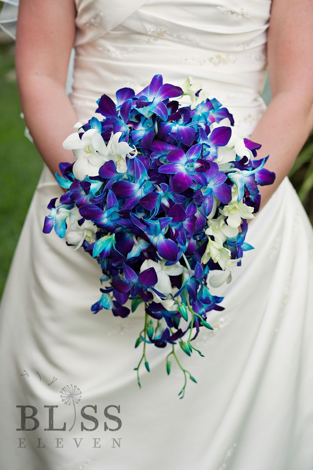 wedding flowers st louis an amazing bridal bouquet in a cascading style 9647
