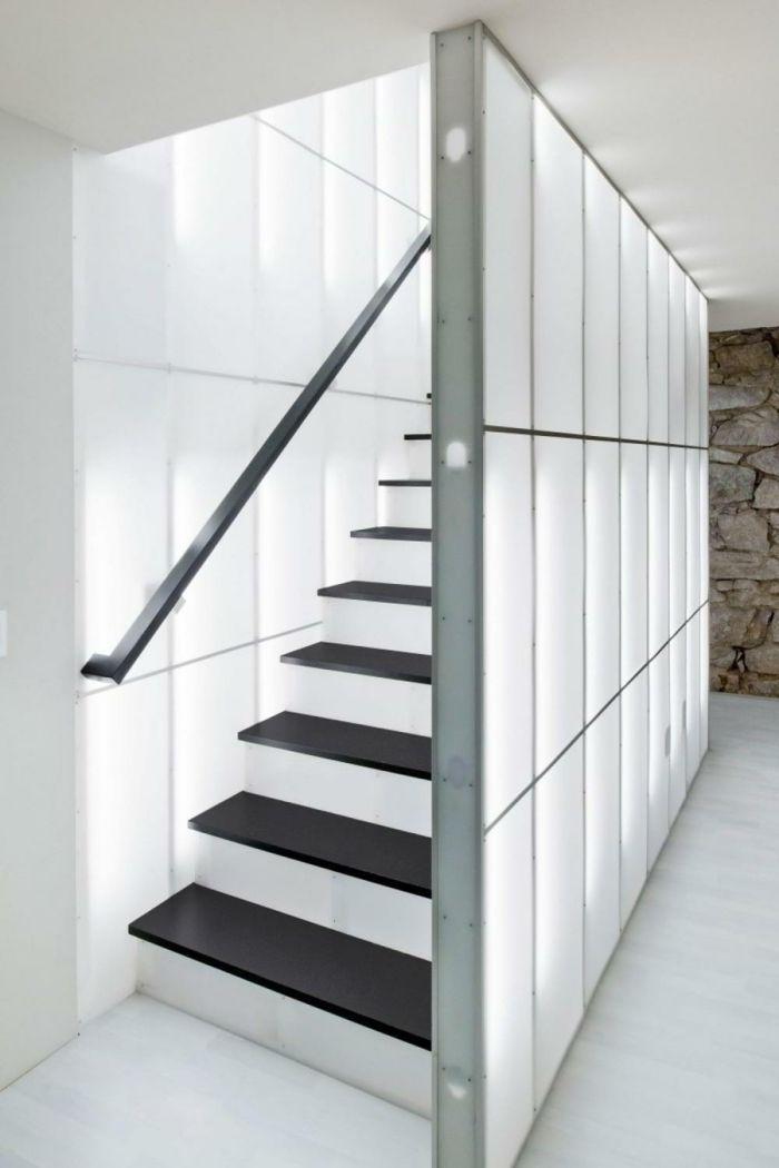 muster schwarz-weiß wandgestaltung mit farbe einrichtungsbeispiele ... - Treppen Wand Gestalten
