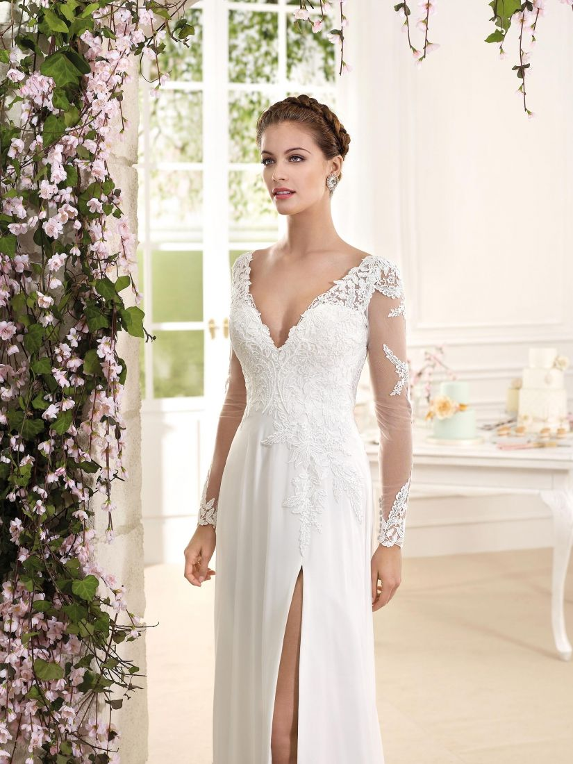 Back detail wedding dress   Sexy High Split Chiffon ALine Wedding Dresses with VNeck and