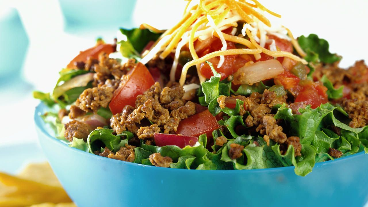 Health   Healthy and satisfying dinners don't require hours in the kitchen or tons of fancy ingredients. There are plenty of simple meals that only need a couple of components and a few minute of your time. One example is this Mexican taco salad from My Recipes. The dish is one of their...