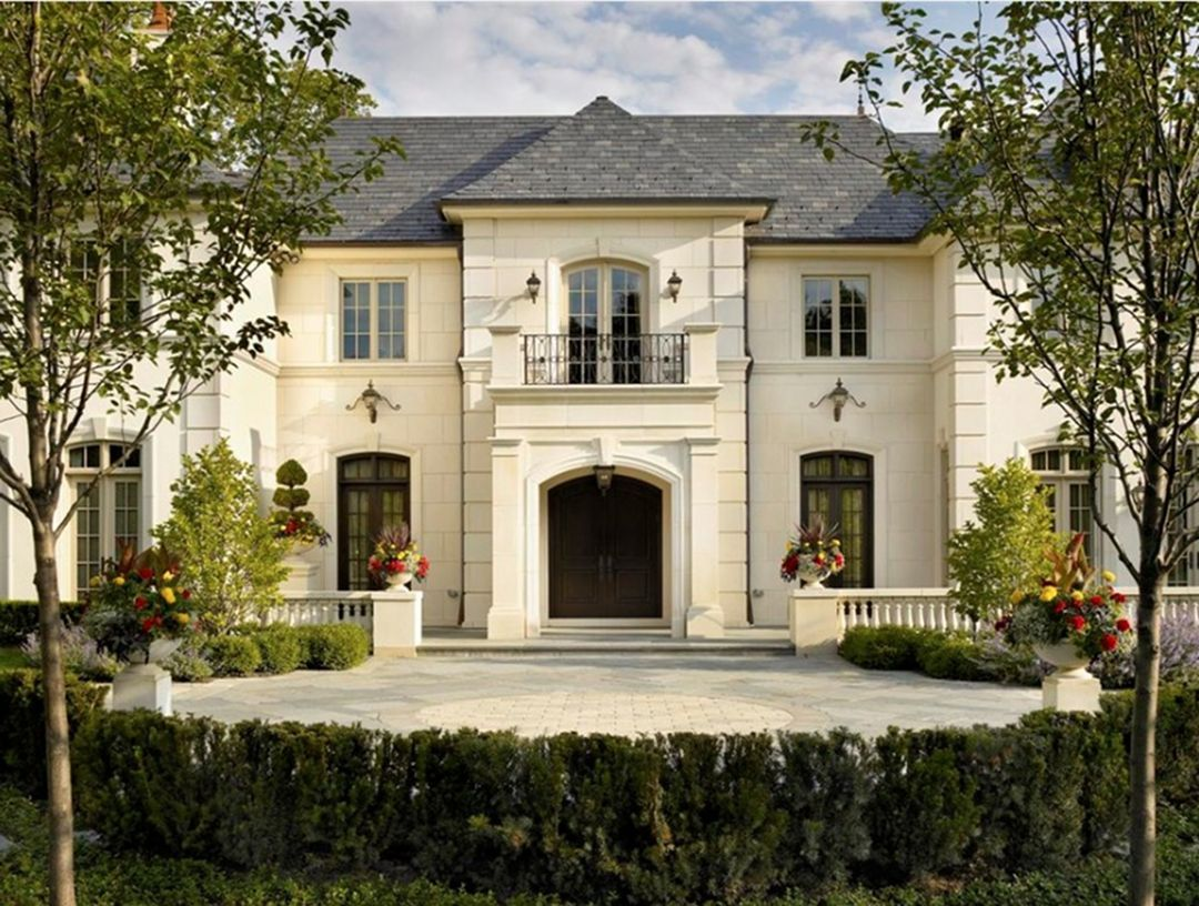 28 Outstanding French Country Home Styles For Inspiration Dexorate French Country House Plans French Country House French Chateau Homes