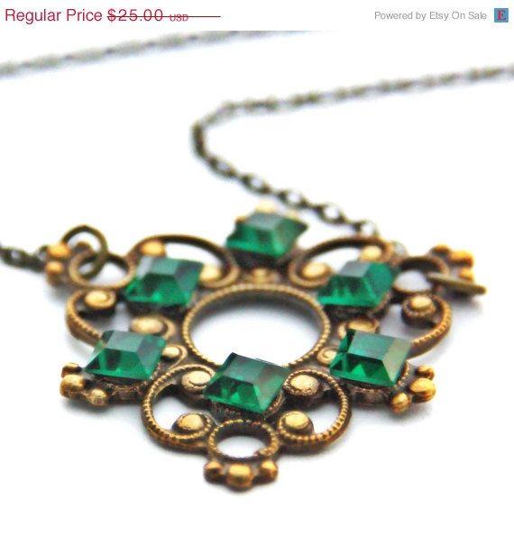 necklace emerald