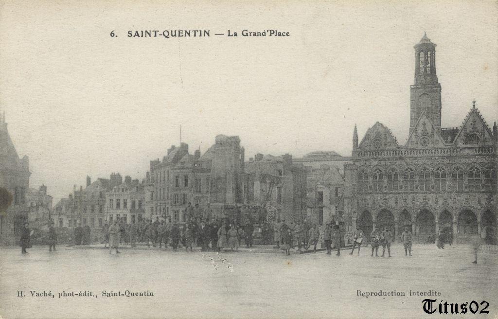 La place de l 39 h tel de ville en 1919 saint quentin entre for Piscine la bulle saint quentin
