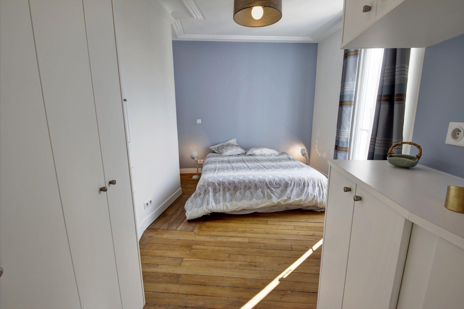 appartement familiale chambre parentale dressing bleu gris agence ...