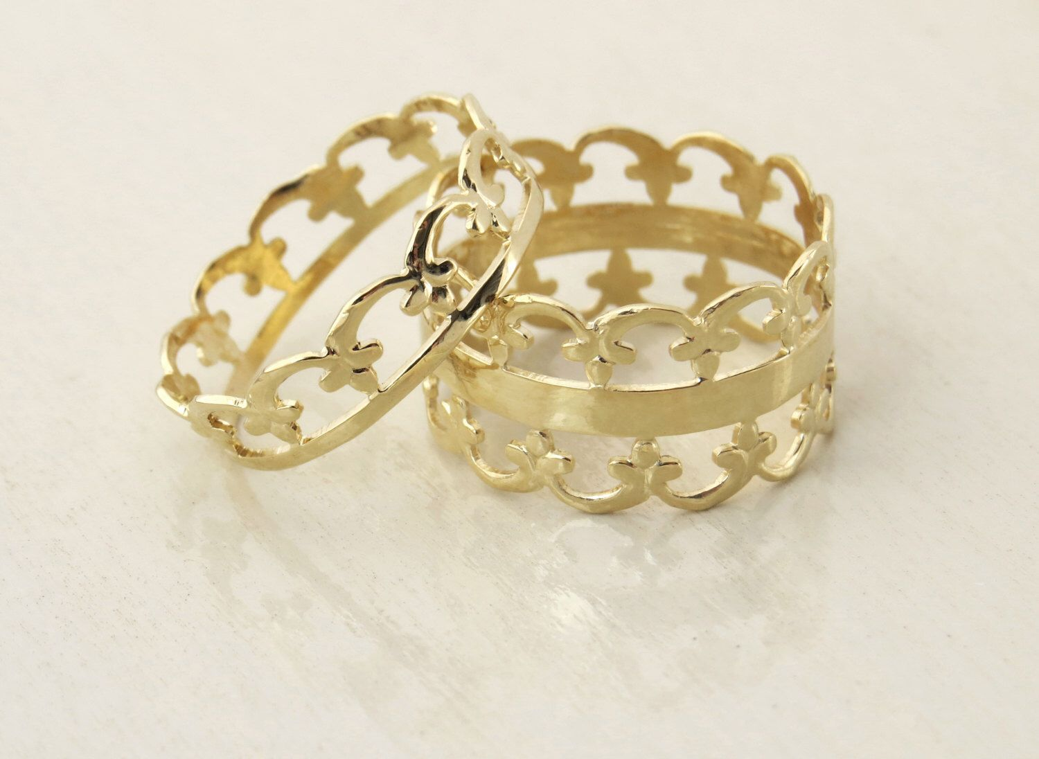 Pin by Shannon on Gold Rings Crown wedding ring, Gold