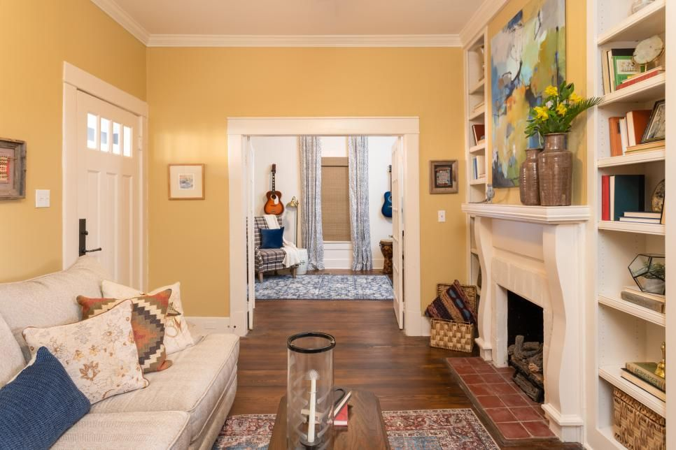 Home Town A Bungalow In Blue Home Town Hgtv Home Town Hgtv Hgtv Master Bedrooms Hgtv Living Room
