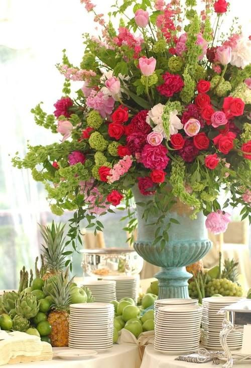 How fantastic this would be for a Bridal Shower. & How fantastic this would be for a Bridal Shower. | Wedding decor ...