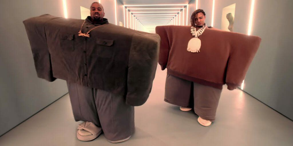 People Are Doing The Iloveitchallenge To Mimic Kanye West And Lil Pump S Weird Video Lil Pump Kanye West Kanye