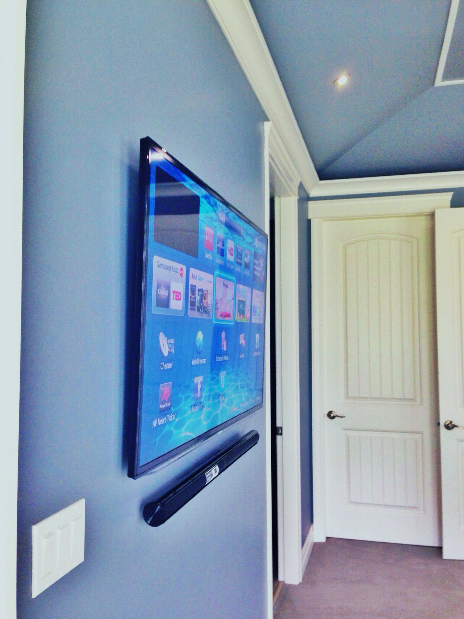 Thinnest wall mount TV Bracket with wall mount low profile Samsung ...