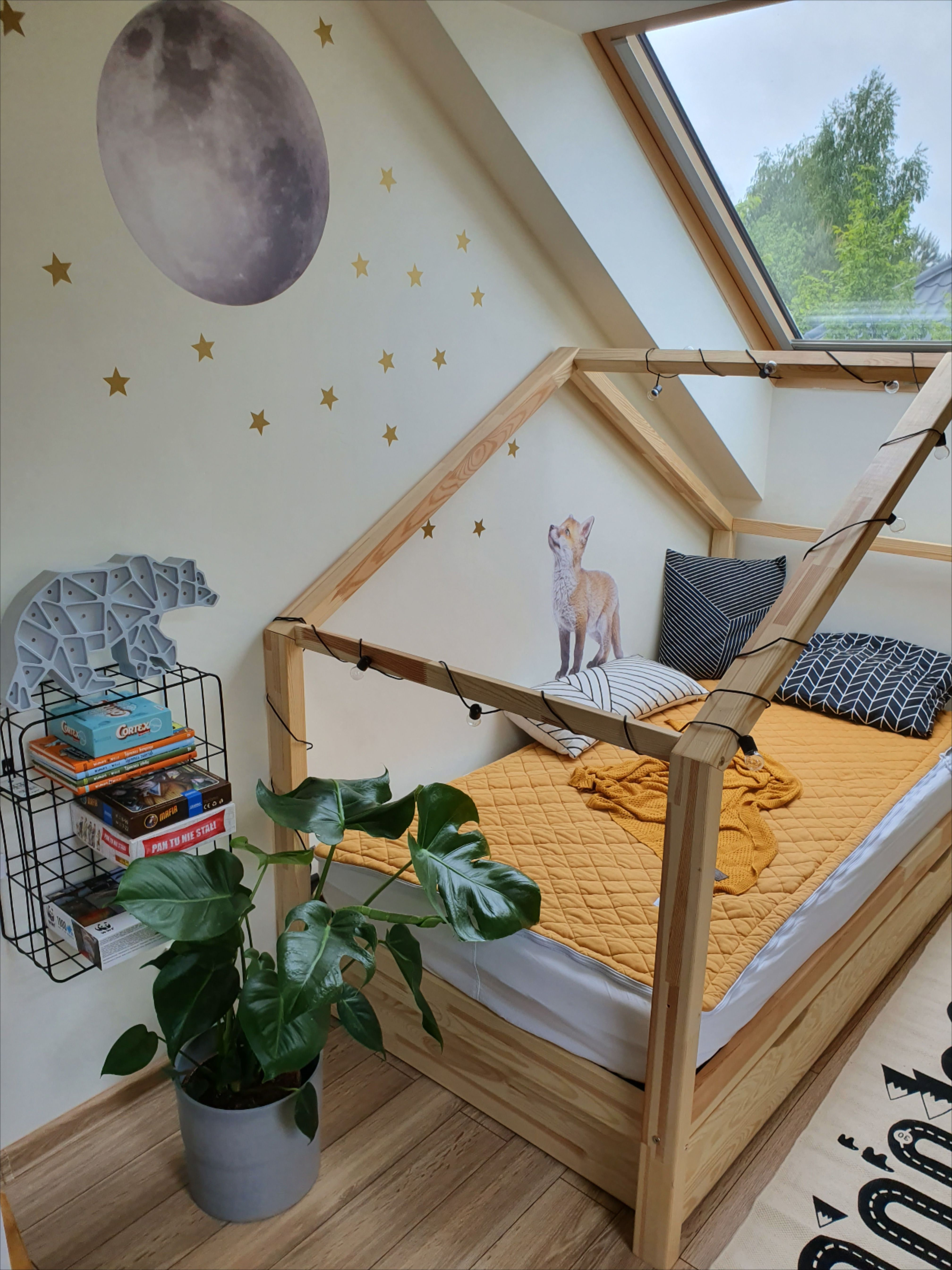 Naklejka Na Sciane Do Pokoju Dziecka Lisek Toddler Bed Home Decor Bed