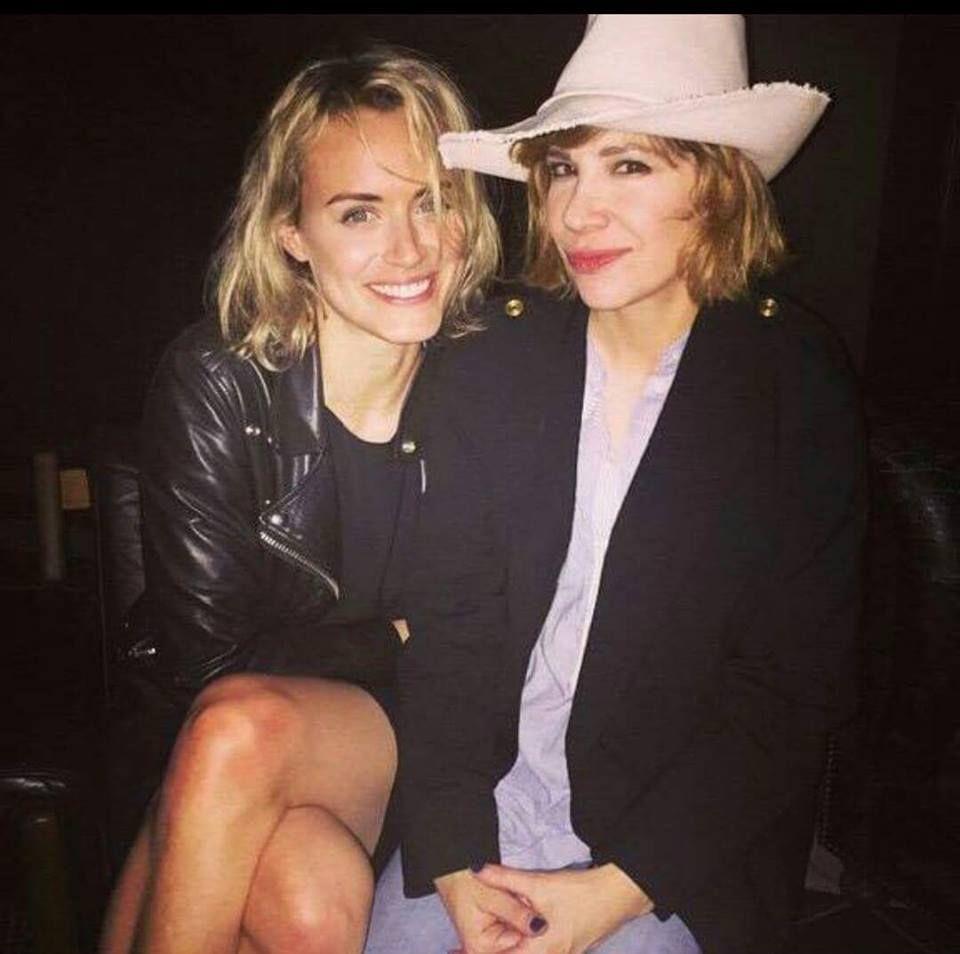 Taylor Schilling & Carrie Brownstein | Beautiful Women in ...Taylor Schilling Girlfriend 2019