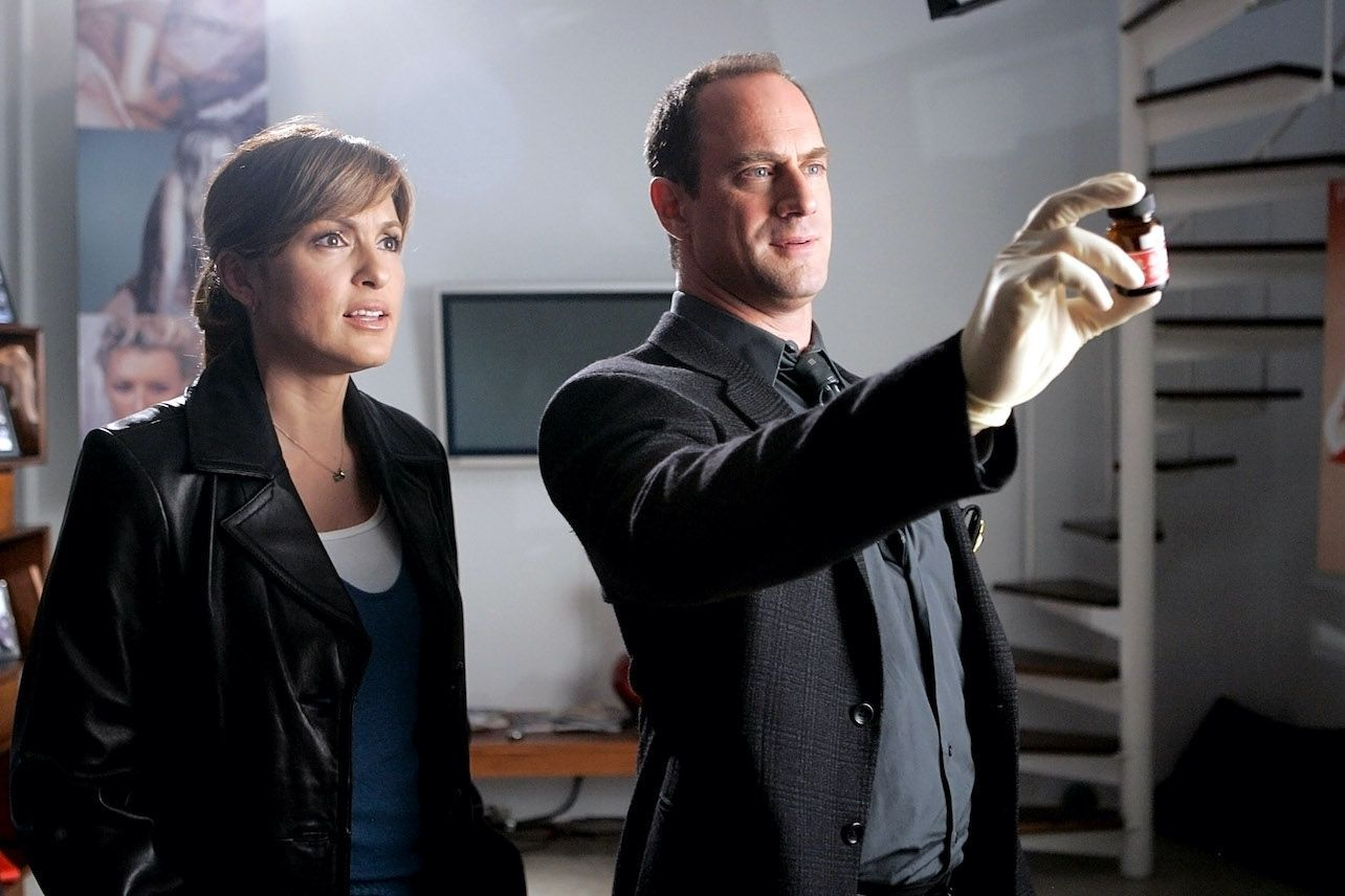 Christopher Meloni Is Coming Back To Law Order Svu Svu Law And Order Law And Order Svu
