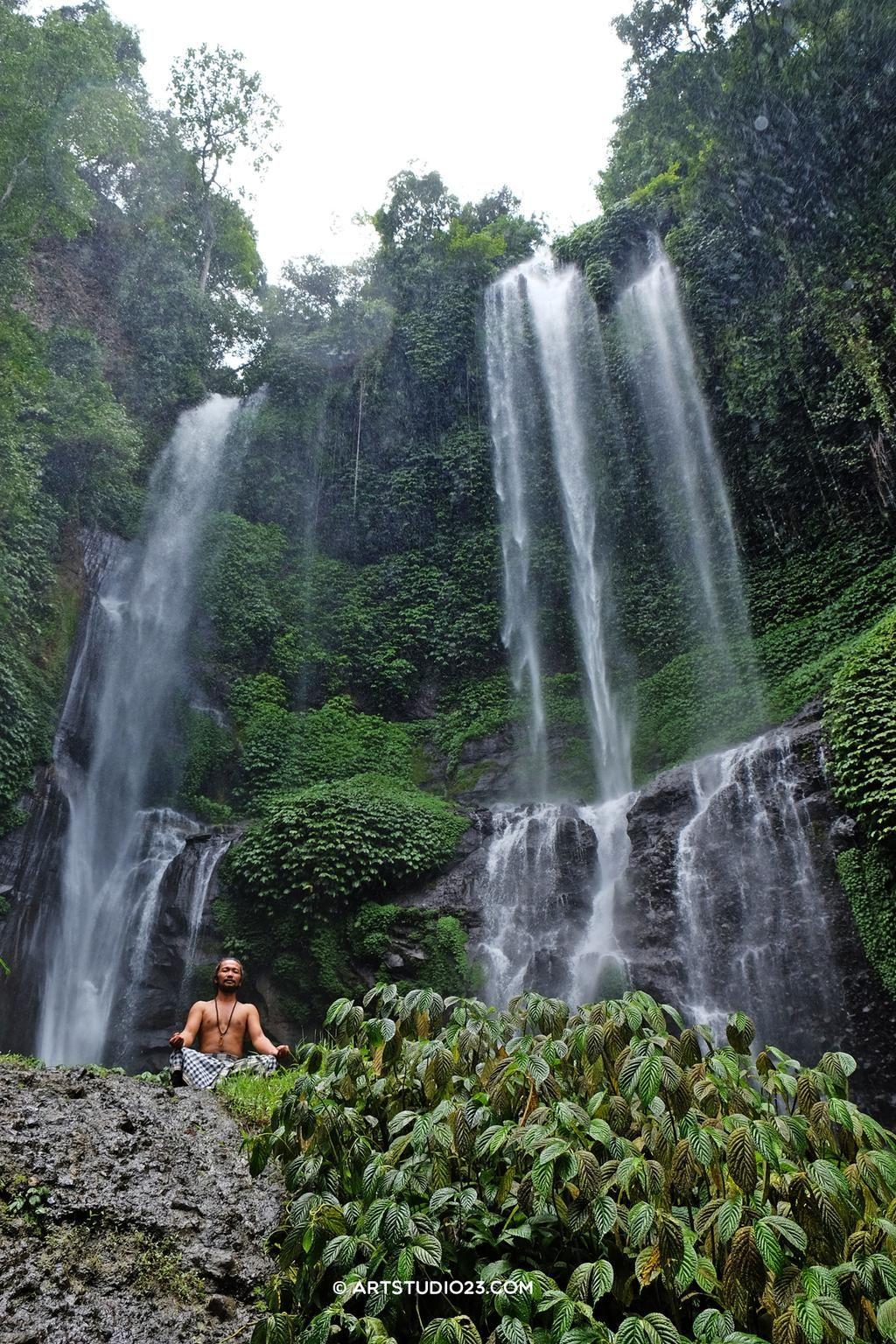 .@FujifilmXLive writing a book about my travels with #XT1 as we speak... @FujifilmEU #mindfulness #contemplative trip #bali #sekumpul waterfalls www.omunitybali.com