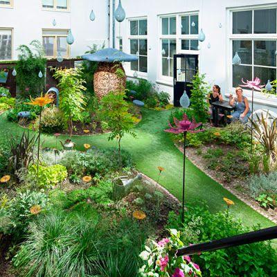 Imagenes de casas con jardines interiores proyectos que for Modelos de jardines interiores