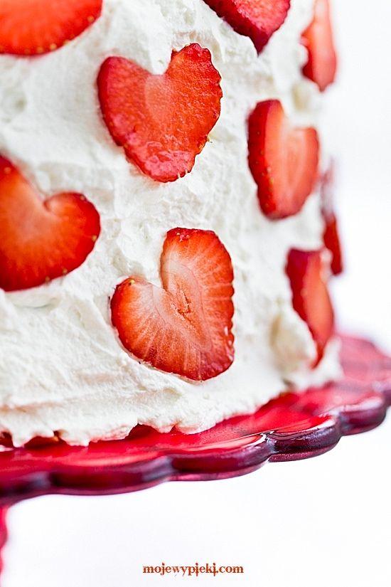 Strawberry cake 'Heaven'
