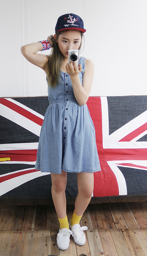 BUTTON-DOWN SLEEVELESS DENIM DRESS