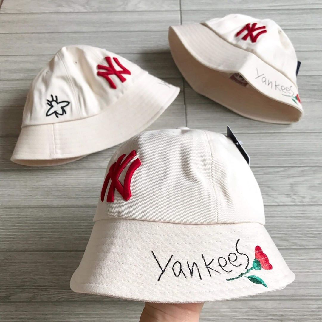 Mlb Bucket Hat Ny Yankees 2490 Free Ems Mlb Siambrandnamethailand Siambrandname In 2020 Yankees Hats Ny Yankees