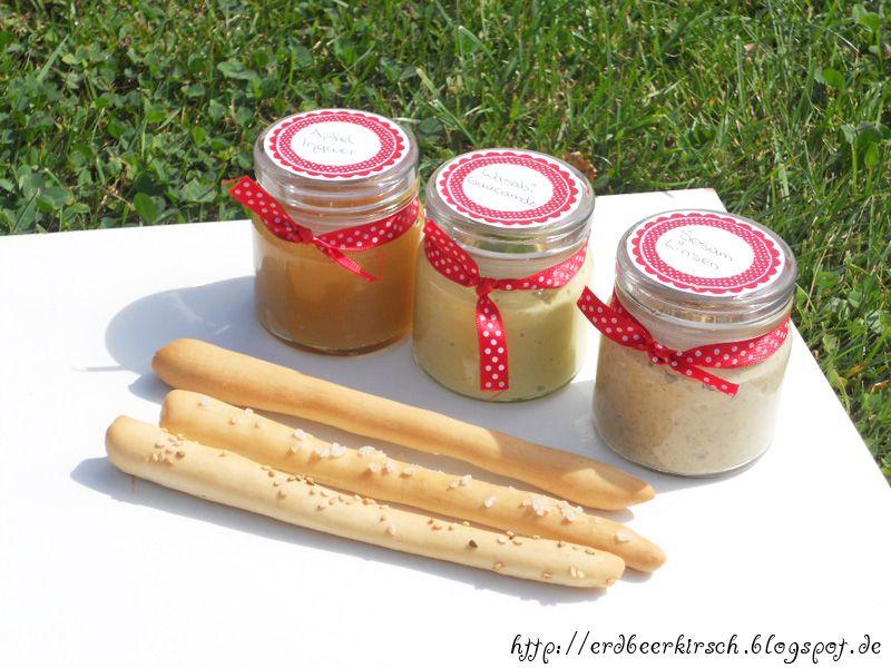 drei verschiedene Grissnini mit dreierlei Dips Köstliches - kleine geschenke aus der küche