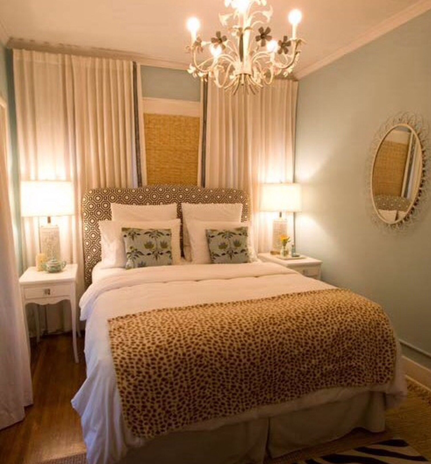 Cute Tiny Guest Room Very Small Bedroom Small Master Bedroom Master Bedrooms Decor