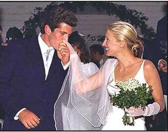 Presidential Weddings The Wedding Yentas A Guide For The Jewish Bride Carolyn Bessette Kennedy Carolyn Bessette Wedding John Kennedy Jr