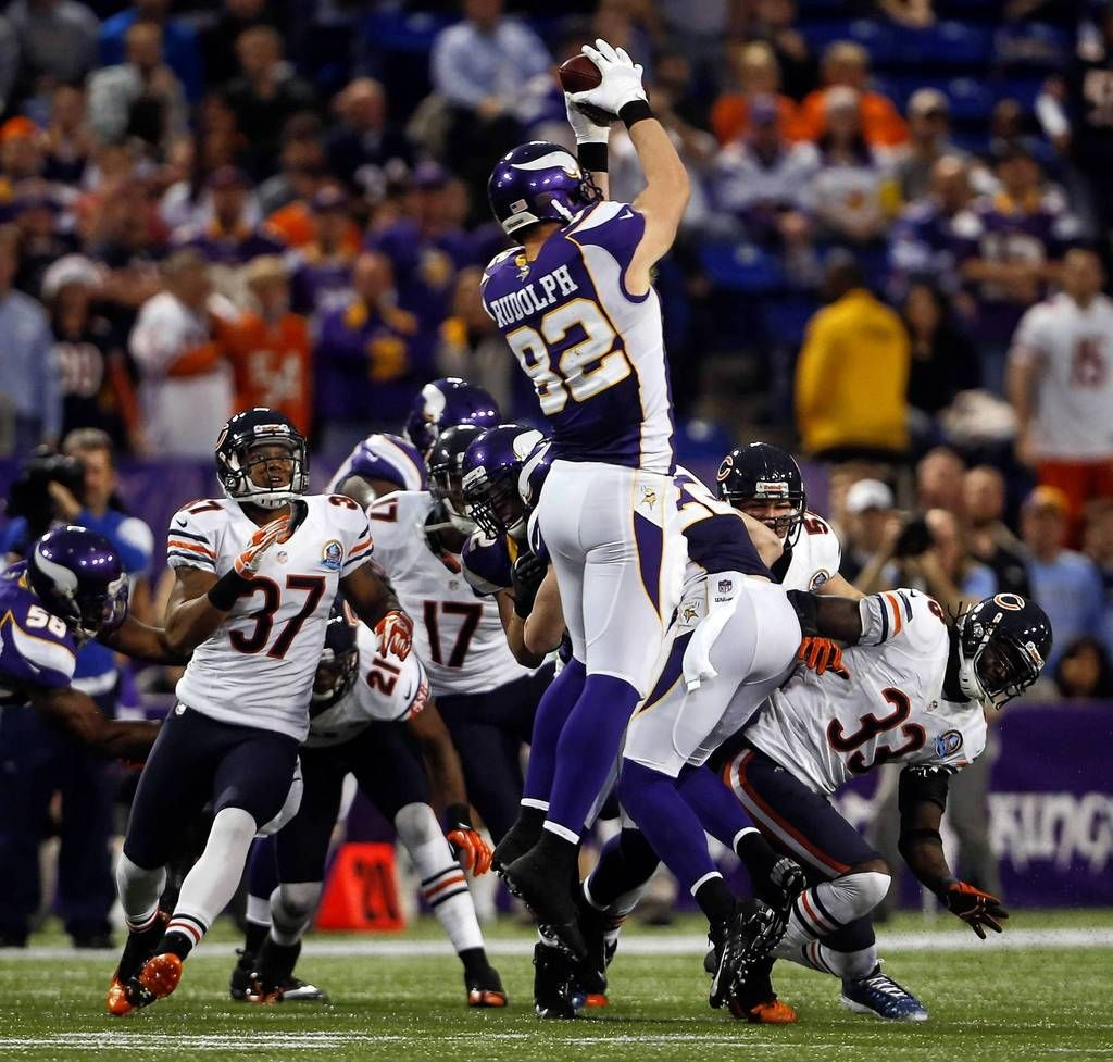 Vikings Tight End Kyle Rudolph Recovers An Onside Kick To Seal The Win Against The Bears Brian Cassella Chicago Tribune Dec 9 2012 Con Imagenes Nfl