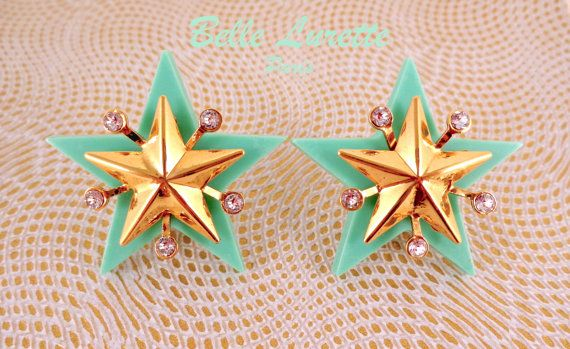CHIC STAR Clips Earrings, in Water Leaf Green Background, with Golden Brass Stars and Atomic Strass.