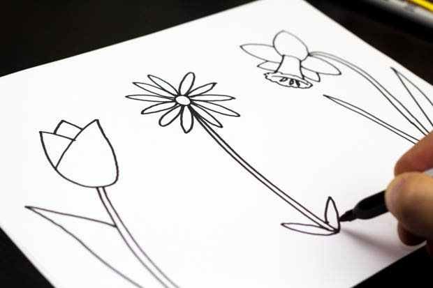 How to draw three spring flowers art for kids hub faaliyetler how to draw spring flowers website that teaches kids how to draw by breaking down mightylinksfo