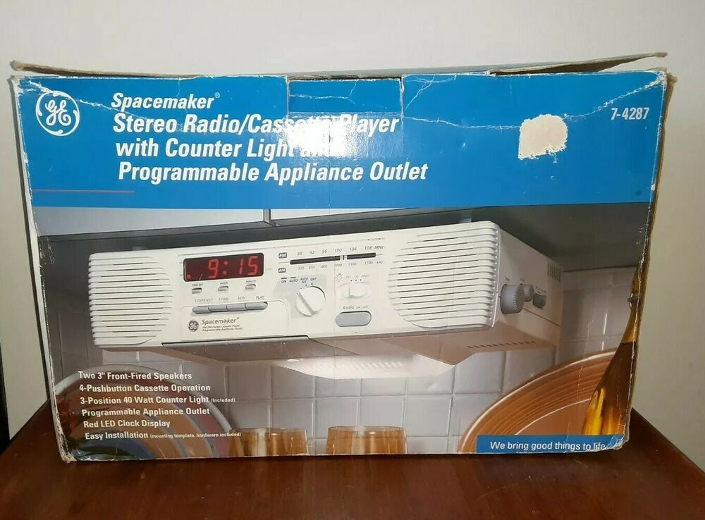 Ge Spacemaker Under Cabinet Stereo Radio Cassette Player Counter