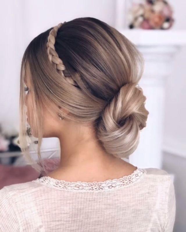 Möchten Sie lernen, wie Sie Ihr eigenes Haar stylen können? Dann besuchen Sie doch einfach unsere #hairtutorials