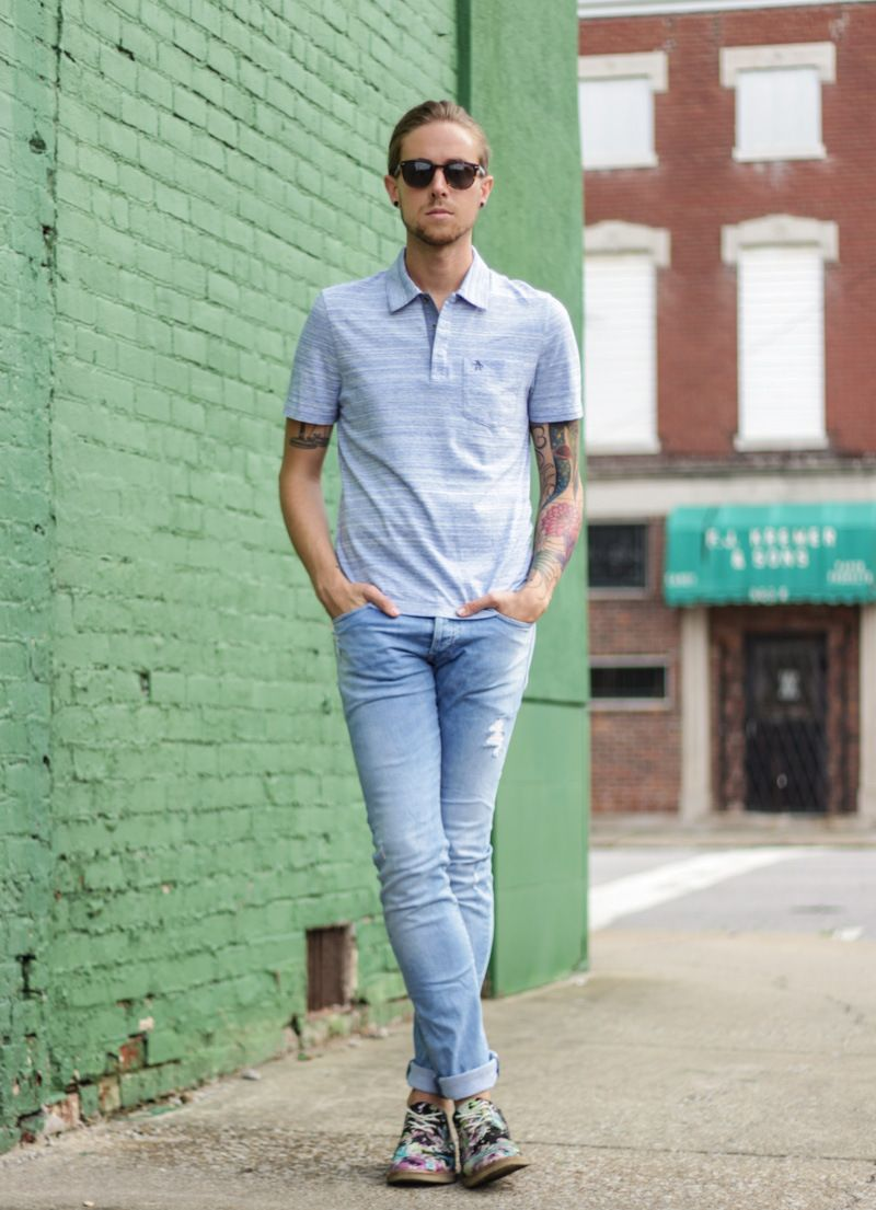 Light blue skinny jeans male